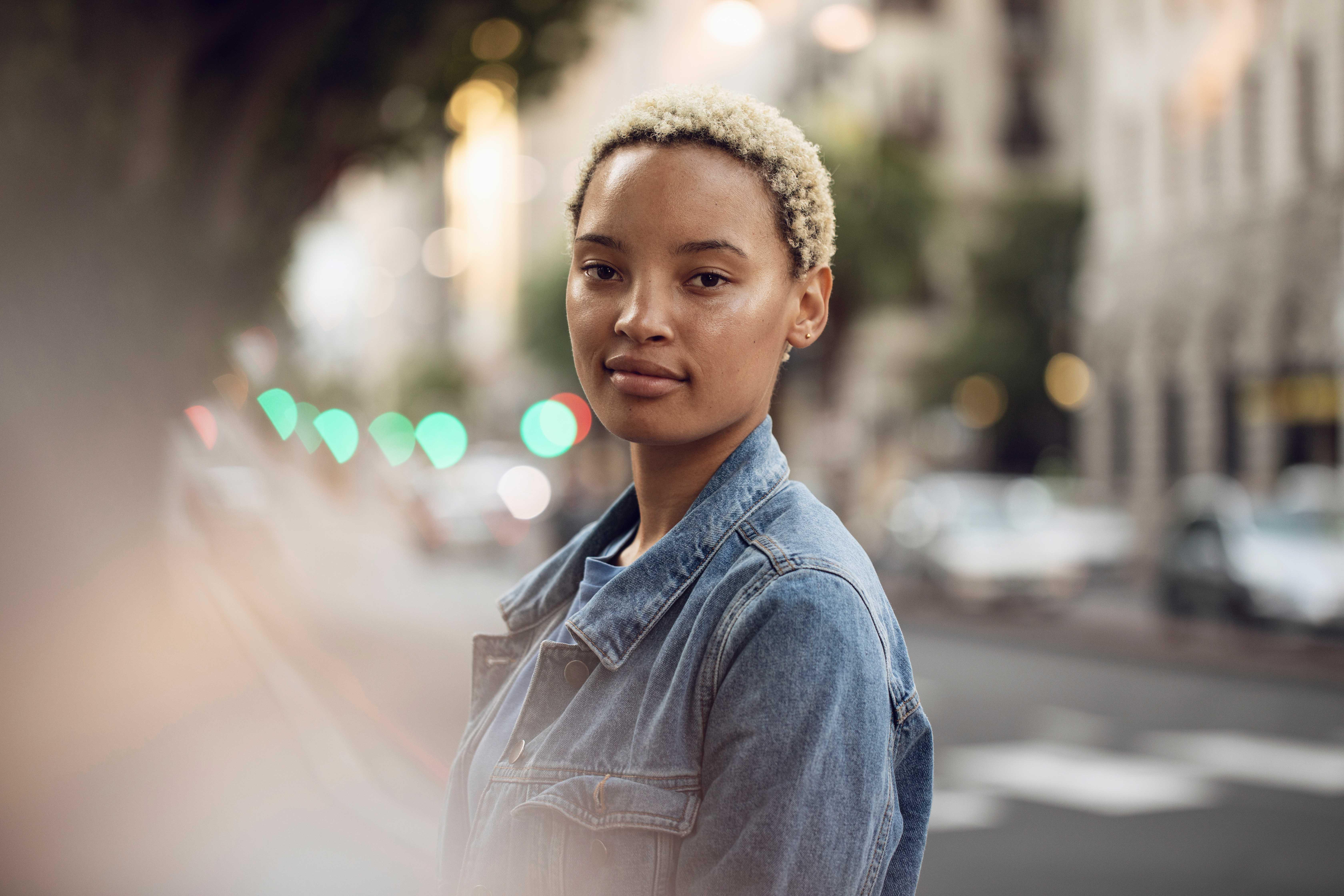 Südafrika, Westerncape, Kapstadt, Studentin bei Städte Trip, 3er Wohngemeinschaft